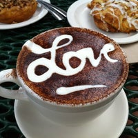 Снимок сделан в Macy's European Coffeehouse & Bakery пользователем Kari L. 7/28/2012