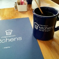 Foto scattata a Inspiration Kitchens da Margaret P. il 4/1/2012