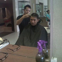 Photo taken at LUXE Salon by Firman S. on 7/16/2012