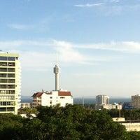 Photo taken at Pattaya Hill Resort by Katemanee T. on 7/21/2012