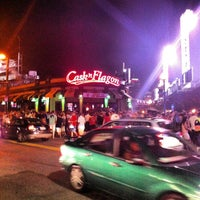 Photo taken at Cask 'n Flagon by Changing L. on 8/25/2012