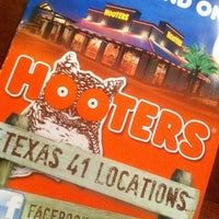 Photo taken at Hooters by Vinicius B. on 7/14/2012
