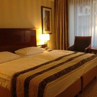 Das Foto wurde bei Maritim Hotel Berlin von Yana R. am 7/8/2012 aufgenommen
