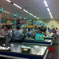 Foto tirada no(a) Supermercado Angeloni por adriano f. em 4/7/2012