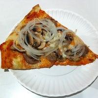 Das Foto wurde bei T. Anthony's Pizzeria von Brad K. am 6/20/2012 aufgenommen
