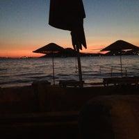 8/17/2012 tarihinde Nimet Y.ziyaretçi tarafından Pina Lounge Cafe & Beach'de çekilen fotoğraf