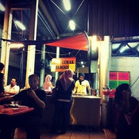 Photo taken at Nasi Lemak Famous by Ehsan Hanafi on 3/9/2012