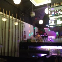 Photo taken at One Sweet One Night 一甜一夜音乐主题咖啡厅 by Pauline H. on 8/18/2012