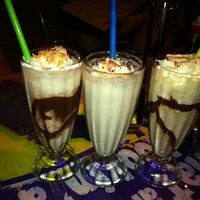 Photo taken at Holsteins Shakes and Buns by Ashley F. on 5/29/2012