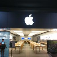 Das Foto wurde bei Apple Oxmoor von Dan S. am 7/13/2012 aufgenommen