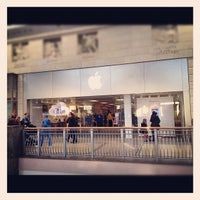 Photo taken at Apple Bluewater by Andy N. on 2/11/2012