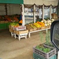 Photo taken at Frutas Y Verduras Don Juan by Nickol F. on 8/28/2012