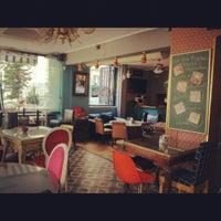 Foto tirada no(a) Susam Cafe por Cem em 8/20/2012