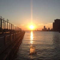 Foto tomada en Brooklyn Bridge Park - Pier 6  por Willie M. el 6/17/2012