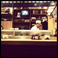 Photo taken at Sushi Yassu by Vértices C. on 6/10/2012