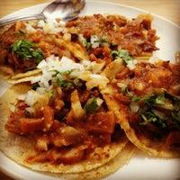 Foto tomada en Tacos Providencia por Afif el 8/30/2012