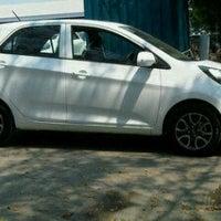 Photo taken at KIA showroom PT.Pratama Transindo by ardha n. on 8/11/2012