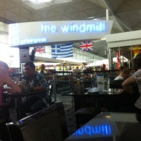 Photo taken at The Windmill (Wetherspoon) by Rowland W. on 8/28/2012