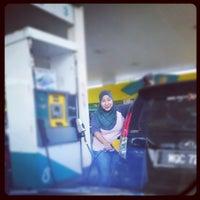 Photo taken at Petronas by ayie i. on 5/26/2012
