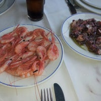 Foto tomada en Las Brisas Restaurante por P d. el 6/17/2012