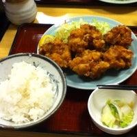 Photo taken at やきとり 鳥一支店 by Kazuo H. on 5/25/2012