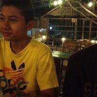 Photo taken at ร้านเนินทราย by 🌸JUBURU🐤 on 3/25/2012