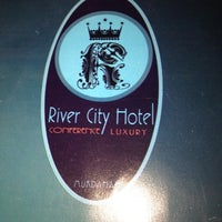 Photo taken at River City Hotel by Thanapol T. on 6/20/2012