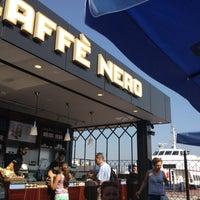 7/20/2012 tarihinde İpekziyaretçi tarafından Caffè Nero'de çekilen fotoğraf