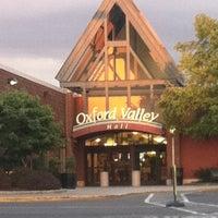 Das Foto wurde bei Oxford Valley Mall von Belmira S. am 6/7/2012 aufgenommen