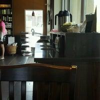 Foto scattata a Starbucks da Martin K. il 7/15/2012