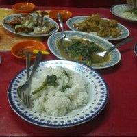 Photo taken at Seafood 68 Kranji by Olivia H. on 5/4/2012