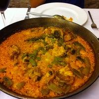 Photo taken at Restaurante El Coso by Leonardo M. on 8/19/2012