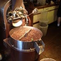 Снимок сделан в The Conservatory for Coffee, Tea & Cocoa пользователем Fabian A. 6/28/2012