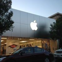Photo taken at Apple Southlake Town Square by Imran A. on 5/18/2012