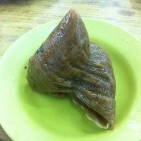 Photo taken at Restoran New Seaview 新海景茶餐室 by spunky w. on 6/17/2012