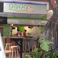 7/10/2012 tarihinde Tabata Z.ziyaretçi tarafından Falafelito'de çekilen fotoğraf