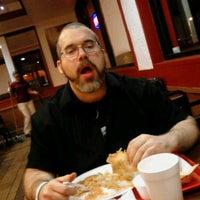 Foto tomada en California Burrito Express por Sam R. el 2/15/2012