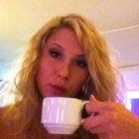 5/5/2012 tarihinde Alesya V.ziyaretçi tarafından Lotus Bar'de çekilen fotoğraf