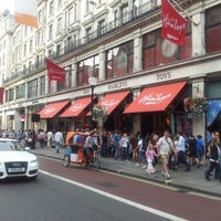 Photo taken at Hamleys by Villy T. on 8/11/2012