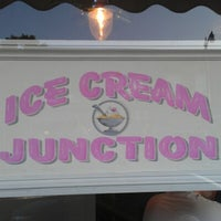 Foto tirada no(a) Ice Cream Junction por Elliott B. em 7/5/2012