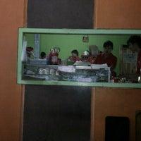 Photo taken at Rumah Makan Pondok Kalasan by Indra A. on 8/15/2012