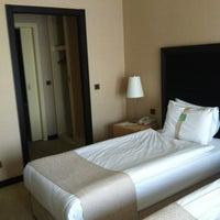3/7/2012 tarihinde Meliz R.ziyaretçi tarafından Holiday Inn Istanbul Airport'de çekilen fotoğraf