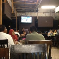 Photo taken at Restoran Pak Mal Nasi Ayam by Rozlan Bahrin R. on 8/28/2012