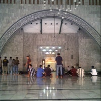 Photo taken at Masjid Ukhuwah Islamiyah (Mesjid UI) by alsa a. on 9/11/2012