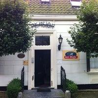 Photo taken at Pension Het Hofje, Noordwelle/Renesse by Eifelralf on 8/7/2012