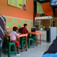 Photo taken at Nasi Uduk Cak Bejo by Kanda b. on 9/5/2012