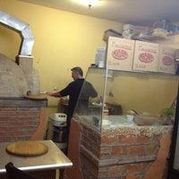 Photo taken at Pizzeria Italiana Pacciarino by Mauricio R. on 7/5/2012