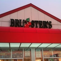 Photo taken at Bruster's by J S. on 7/2/2012