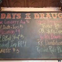 Das Foto wurde bei Pi Bar von John C. am 4/29/2012 aufgenommen