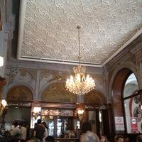 8/14/2012 tarihinde Ozgeziyaretçi tarafından Yemek Kulübü'de çekilen fotoğraf